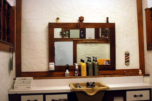 Golden-razor-barber-shop-toledo-ohio-012